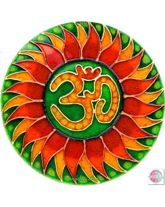 Mandala na szkle OM boska wibracja zielona.